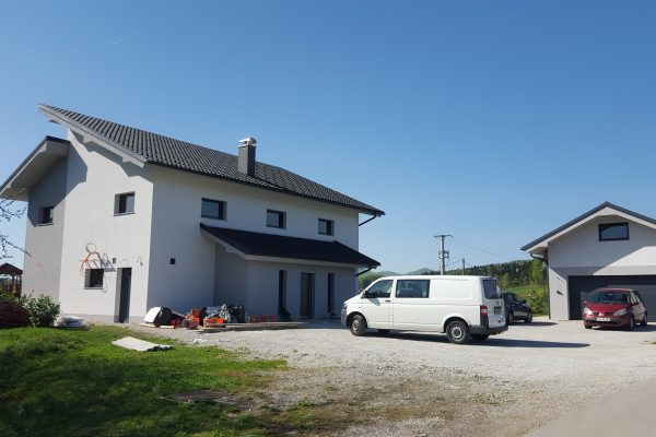 Hiša in garaža Štremfl